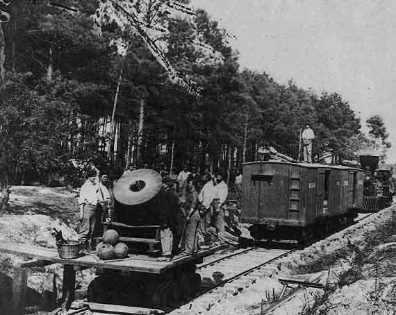 thirteen-inch-mortar-dictator-and-railroad-cars-petersburg-virginia